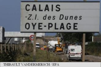 Primăria orașului francez Calais a eșuat în stoparea lucrărilor la zidul britanic antimigranți