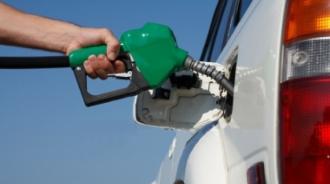 Benzina se scumpește, iar motorina se ieftinește; ANRE a stabilit noile prețuri plafon pentru carburanți
