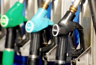 Veste bună pentru șoferi! Benzina se ieftinește pentru prima dată în acest an