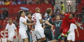 Sevilla - Real Sociedad 1-1. Andaluzii pierd contactul cu podiumul