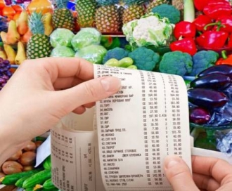 Veniturile moldovenilor, înghițite de cheltuielile pentru produsele alimentare şi facturile pentru întreținere
