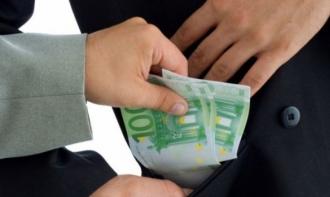 Antreprenorii moldoveni preferă să dea mită, decât să lupte cu structurile de stat corupte