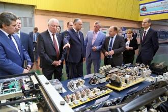 Două întreprinderi importante din Belarus, vizitate de Igor Dodon