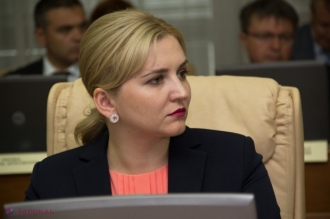 Doi miniștri, demiși din funcție