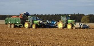 Agricultorii moldoveni, aduși la faliment de actuala guvernare