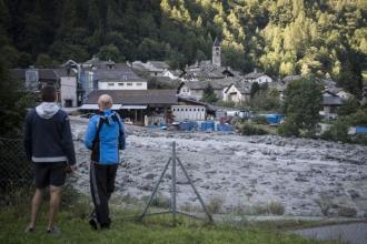 Alunecare de teren de proporții în Elveția. Opt oameni sunt dați dispăruți