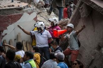 Cutremur în Mexic: Căutarea supravieţuitorilor continuă, în timp ce bilanţul seismului a ajuns la 237 morţi şi 1.900 de răniţi