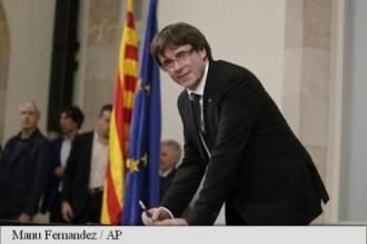 Catalonia: Puigdemont a semnat o declarație de independență, dar a suspendat-o