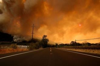 Cel puţin 21 de oameni au murit în urma incendiilor de vegetaţie din California/ Peste 500 de persoane sunt date dispărute