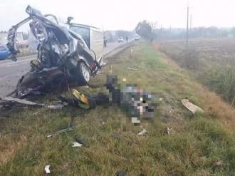 Accident violent în apropiere de Budești; Șoferul unui Opel a murit, iar mașina acestuia s-a rupt în două
