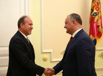 Președintele Iohanis, invitat de Igor Dodon să efectueze o vizită în Republica Moldova