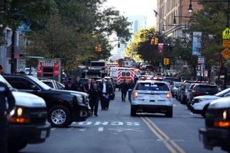 Atac la New York: Cel puţin opt morţi, după ce un individ a intrat cu maşina în trecători şi apoi a deschis focul, în Manhattan