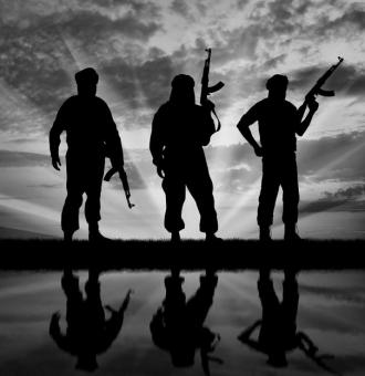Trei membri ai reţelei teroriste Stat Islamic au trecut prin România în drumul spre Siria