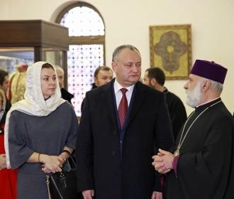 Igor Dodon a vizitat Catedrala Echmiadzin, una din cele mai vechi biserici creștine din lume