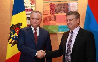 Subiectele cu privire la realizarea înţelegerilor convenite cu Preşedintele Armeniei, discutate de Igor Dodon și Karen Karapetian