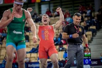 Luptătorul Daniel Cataraga a devenit campion mondial printre tineret