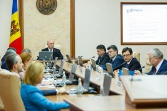 Proiecte de legi, aprobate în grabă și netransparent de Guvern