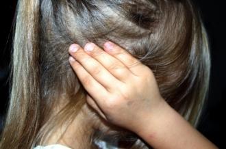 Caz terifiant în capitală: O fetiță de 10 ani, abuzată sexual de iubitul mamei sale