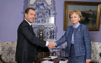 """Zinaida Greceanîi l-a felicitat pe Dmitri Medvedev cu ocazia celei de-a 16-a aniversare de la înființarea """"Edinaia Rossia"""""""