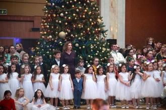 Sărbătoare feerică pentru sute de copii din familii social-vulnerabile, organizată de fundația Primei Doamne