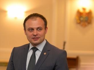 Candu anunță o reducere cu 40% din numărul angajaților Parlamentului