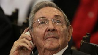 Moment istoric pentru Cuba. Raul Castro renunţă la funcţia de preşedinte