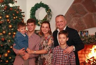 Cetățeni țării care sărbătoresc Crăciunul pe stil vechi, felicitați de Igor Dodon