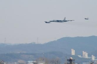 Statele Unite au dislocat trei bombardiere