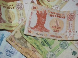 Salariul mediu lunar pe economie prognozat pentru 2018 constituie 6150 de lei