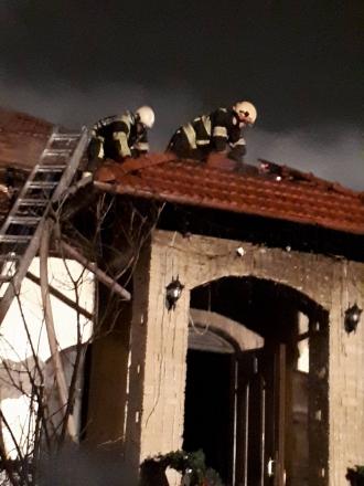 Un restaurant din Capitală, cuprins de flăcări