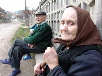 Reforma sistemului de pensii, promisă de Guvernul Filip, s-a limitat doar la majorarea vărstei de pensionare