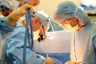 Peste 90 de operații de transplant au fost finanțate în 2017 din fondurile AOAM