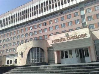 Un medic de la Institul Oncologic, a fost reținut după ce a cerut 7.000 de lei de la un bolnav incurabil