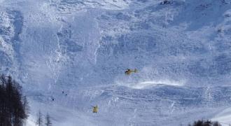 Cel puţin două persoane au murit în urma unei avalanşe în Alpii francezi