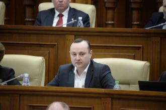 Socialiștii au cerut în Parlament majorarea burselor pentru studenți (VIDEO)