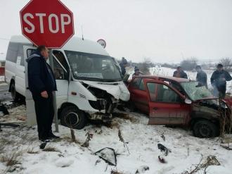Accident în România cu implicarea unui microbuz de ruta Chișinău - București; O persoană a murit