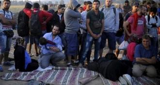 Cel puţin 11 azilanţi, răniţi în urma confruntărilor între refugiaţi şi poliţie pe insula Lesbos