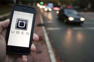 Uber SUSPENDĂ testarea maşinilor fără şofer în Statele Unite după ce un pieton a fost lovit mortal
