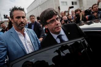 Carles Puigdemont va rămâne în arest pe durata judecării dosarului privind extrădarea în Spania