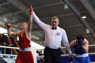 Boxerul Dorin Bucșa s-a calificat în semifinalele Europenelor de tineret