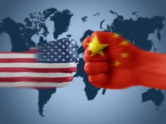 Război comercial: China impune noi tarife pentru produsele din carne de porc si fructele din SUA, după decizia lui Trump de a impune taxe suplimentare