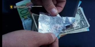 Nouă persoane, inclusiv un profesor de la un liceu din Ungheni, reținute pentru comercializarea drogurilor