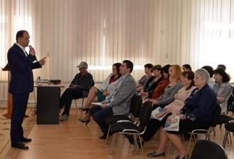 Ion Ceban, la discuții cu angajații spitalului clinic municipal Sf. Arhanghel Mihail și Gavriil din capitală