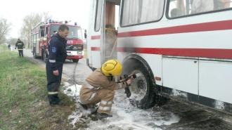 Un autobuz, cu 45 de pasageri la bord, a luat foc din mers