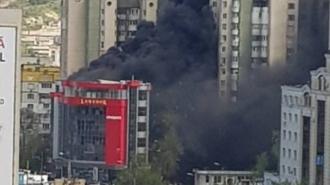 Un nou incendiu devastator în Capitală; Arde un centru comercial de pe bulevardul Cantemir
