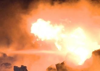 Cel puţin 10 morţi şi 40 de răniţi, în urma unui incendiu la o sondă petrolieră din Indonezia
