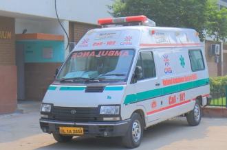 Cel puţin 13 copii au murit după ce un autobuz de şcoală a intrat în coliziune cu un tren în India