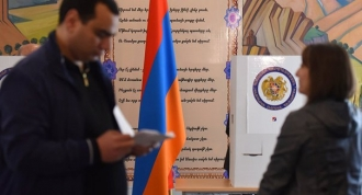 Parlamentul Armeniei va organiza noi alegeri pentru funcţia de premier pe 8 mai