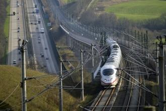 Accident feroviar în sudul Germaniei. Cel puţin doi morţi şi 14 răniţi, în urma coliziunii dintre un tren de călători şi un marfar