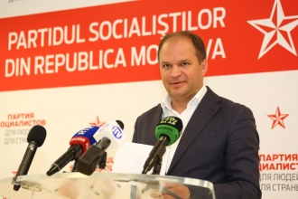 Ion Ceban propune elaborarea unui program municipal pe termen mediu de susţinere a persoanelor cu nevoi speciale